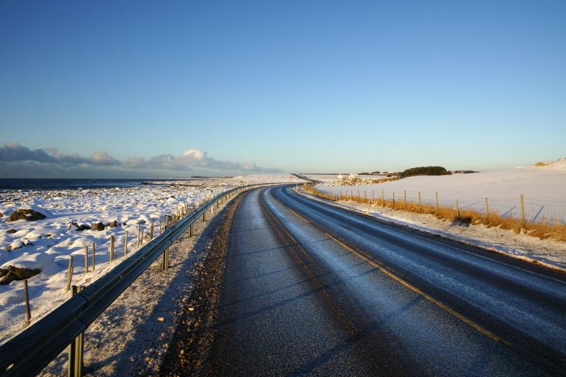 Fylkesveg 44 ved Nordsjøen. Photo: Helge Stikbakke